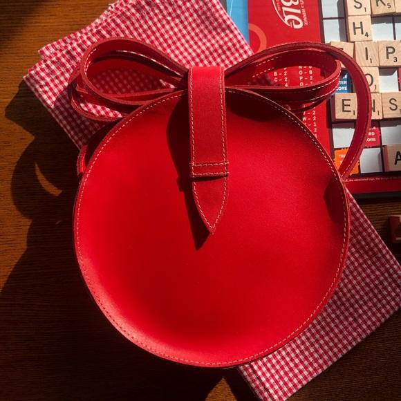 mundi Handbags - Vintage Mundi Leather Round Crossbody Bag